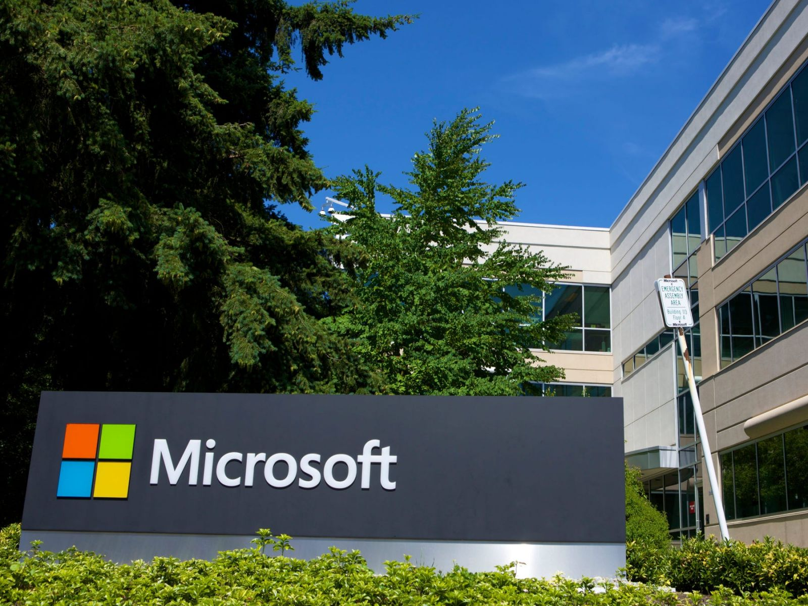 Microsoft Extends Its Work-From-Home Policy to July 2021