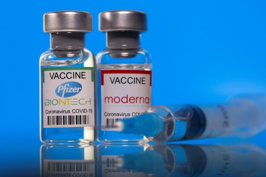 Pfizer and Moderna Covid-19 vaccines do not appear to pose serious risk during pregnancy - research