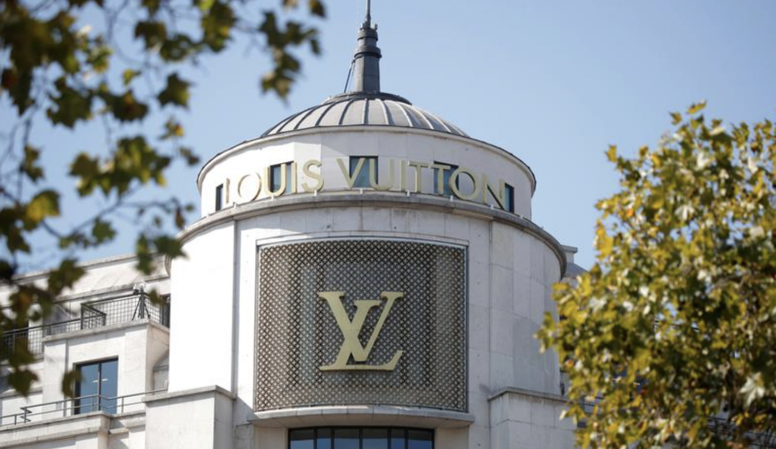 LVMH and Tiffany Agree on Lower Price for $16 Billion Takeover