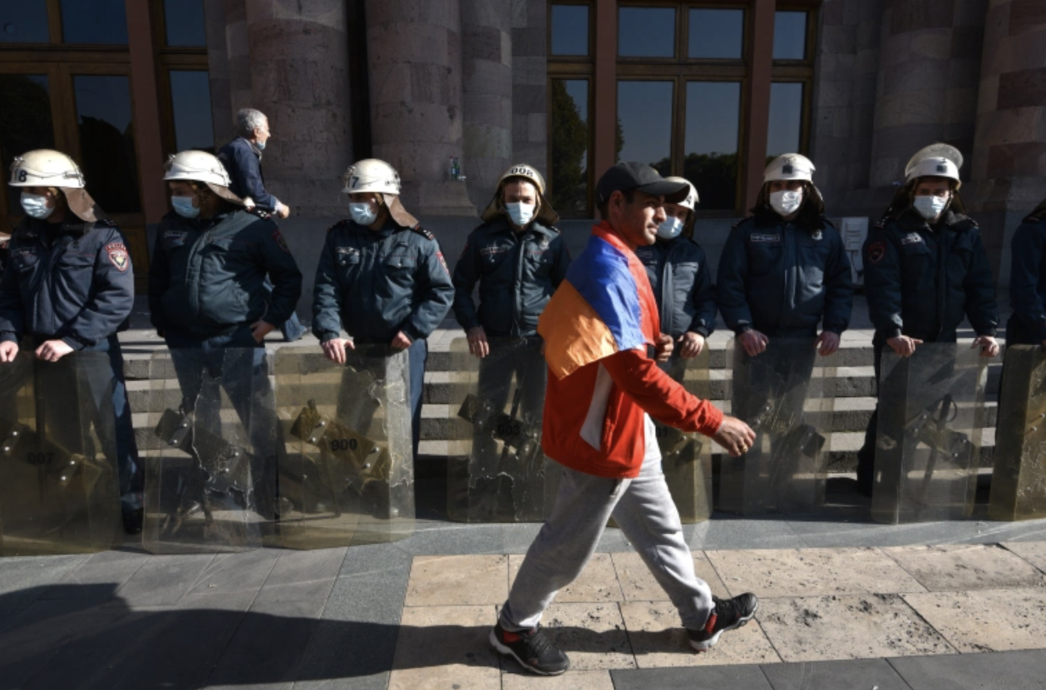 Armenian Economy Minister Tenders Resignation Amid Protests
