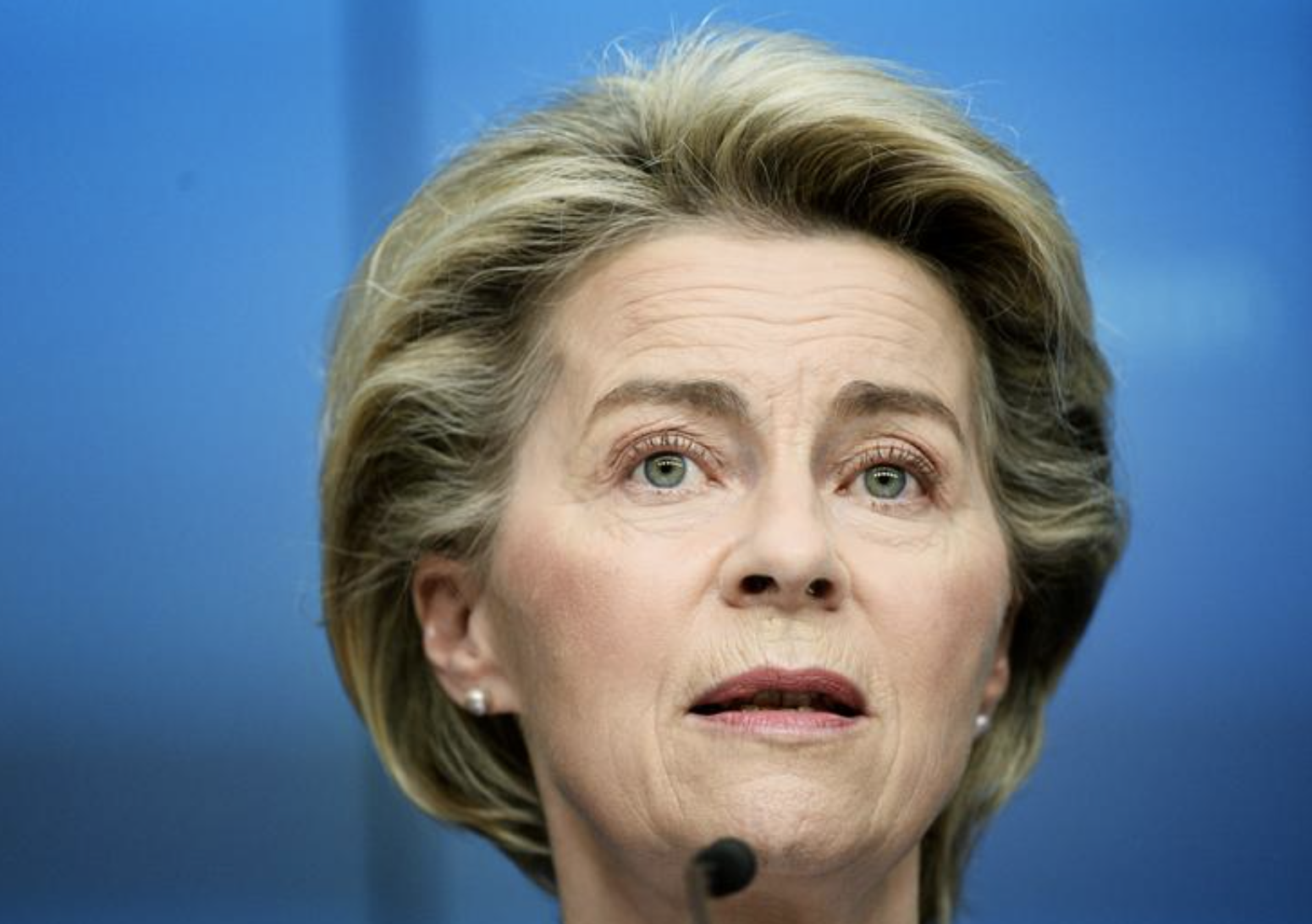 Start work on vaccination certificates, von der Leyen tells EU