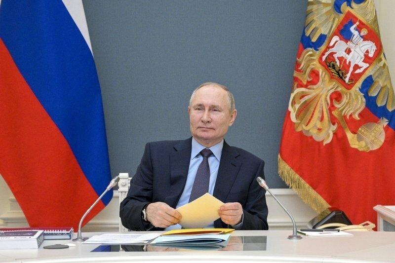 Russian President Putin gets 2nd COVID-19 vaccine shot