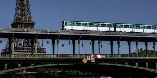 ავტოპილოტზე მოძრავი მატარებელი გაჩერებას ვეღარ ახერხებდა - პანიკა პარიზის მეტროში