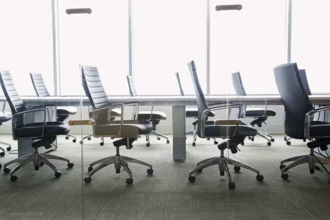 ახალი კანონპროექტი ათასობით მოქალაქეს ერთზე მეტ სამსახურში მუშაობას უზღუდავს