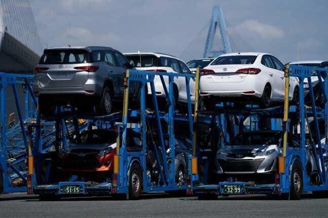 ავტომობილების რეექსპორტი 63%-ით გაიზარდა - სფერო რეკორდულ მაჩვენებლებს უახლოვდება