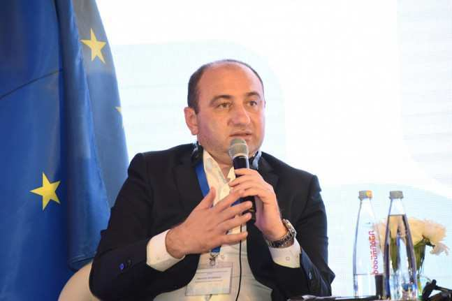 According to Lekvinadze, Gakharia entrusted him to implement deep monitoring of the pharmaceutical sector