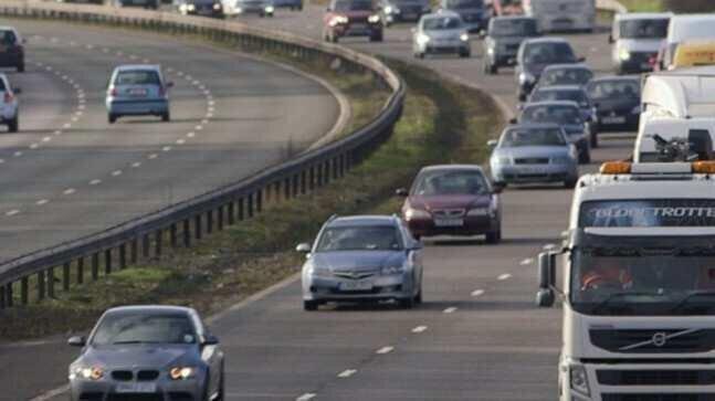 ბრიტანეთი ბენზინსა და დიზელზე მომუშავე ავტომობილების გარდა, ჰიბრიდულების გაყიდვასაც აკრძალავს