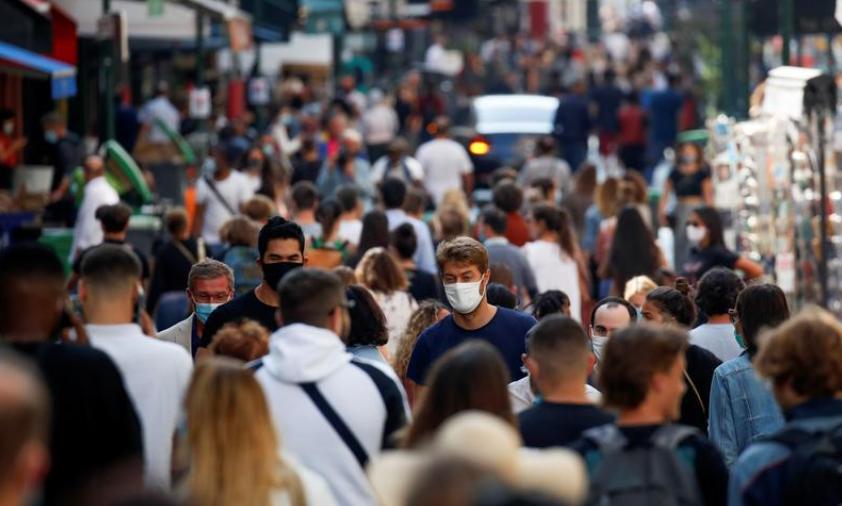 დღეიდან პარიზში 10-ზე მეტი ადამიანის შეკრება იკრძალება