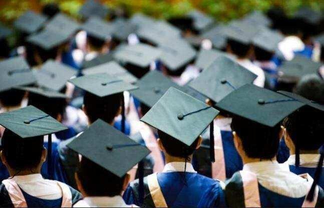 """""""საქართველოში იზრდება იმ სტუდენტთა რიცხვი, რომლებსაც სწავლის გაგრძელება საზღვარგარეთ სურთ"""""""