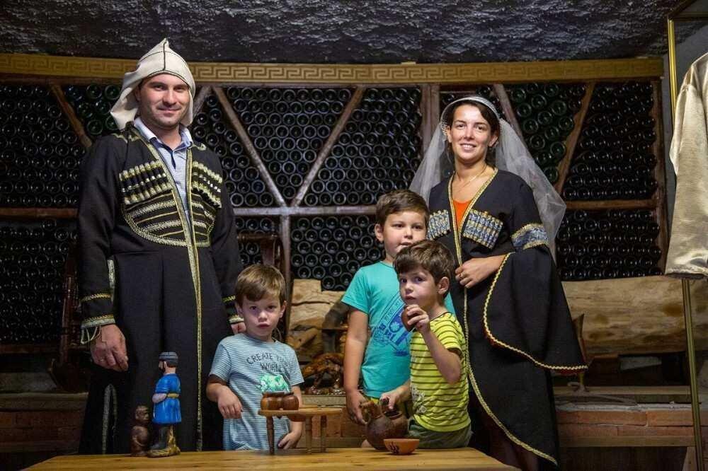 ჩემი სოფელი: შერვაშიძეების ოჯახი ბიზნესს აფართოებს და ქედაში უფრო მეტ ტურისტს იზიდავს