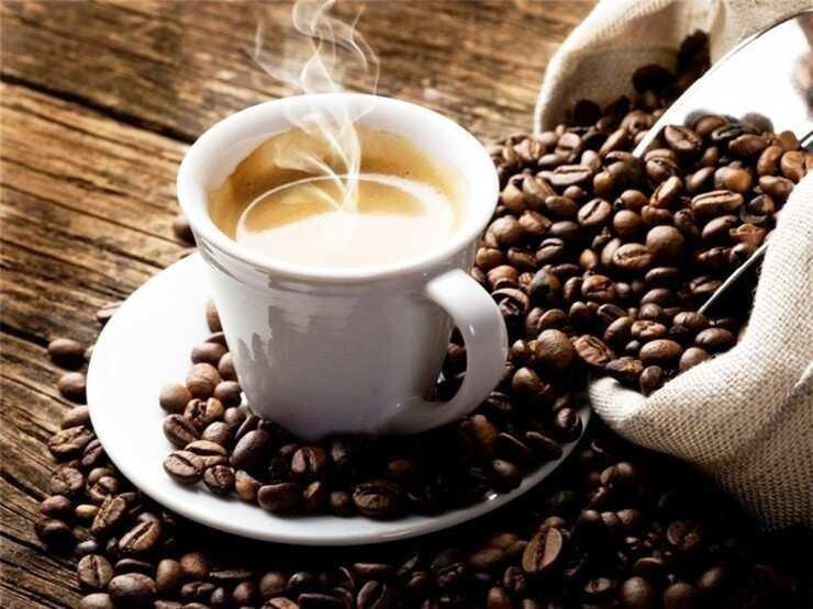 პასუხისგებაში მიეცა პირი, რომელიც ყავას ერთ-ერთი ბრენდის ნიშნით უკანონოდ ყიდდა
