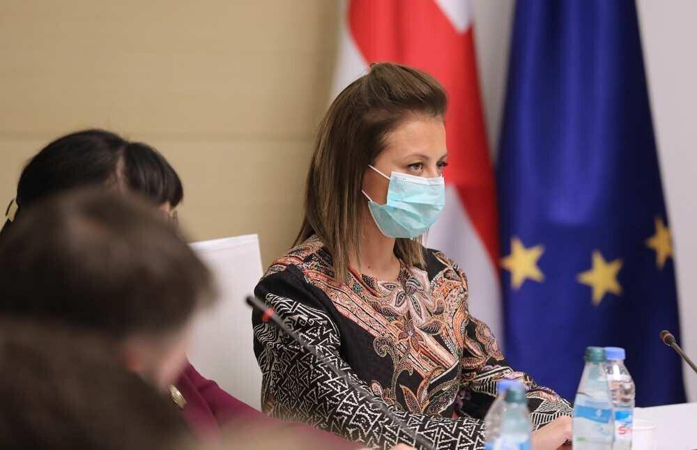 მინისტრი ჯანდაცვის სისტემაში კოვიდის-მართვისთვის მედ-პერსონალის დეფიციტზე საუბრობს
