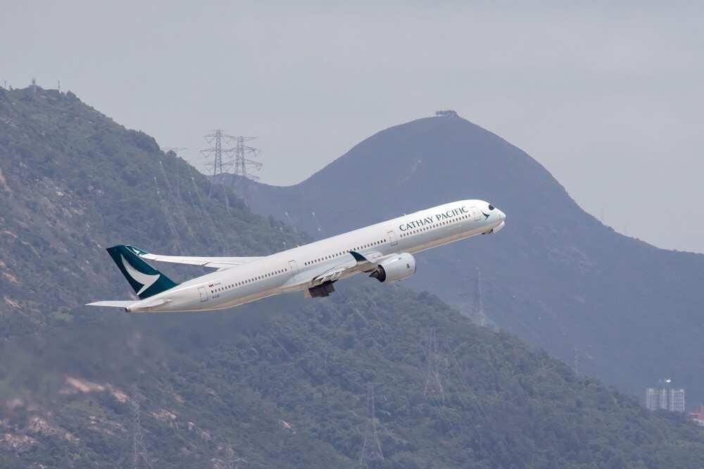 ავიაკომპანია Cathay Pacific-ს მგზავრთა ნაკადი 83%-ით შეუმცირდა
