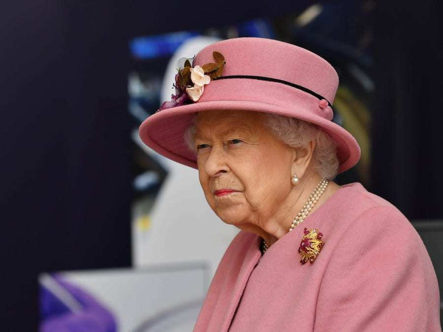 What wrong message did the 94-year-old Queen send to fans? - Insider