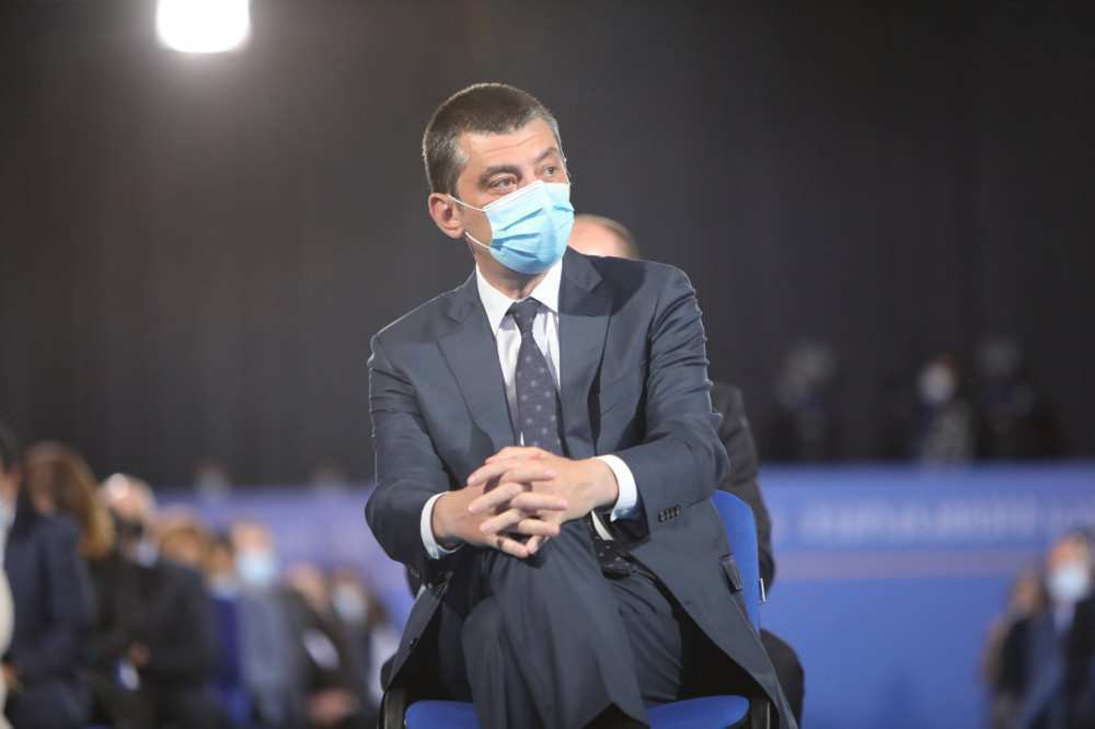 PM: wearing of facemask might become mandatory in the open space