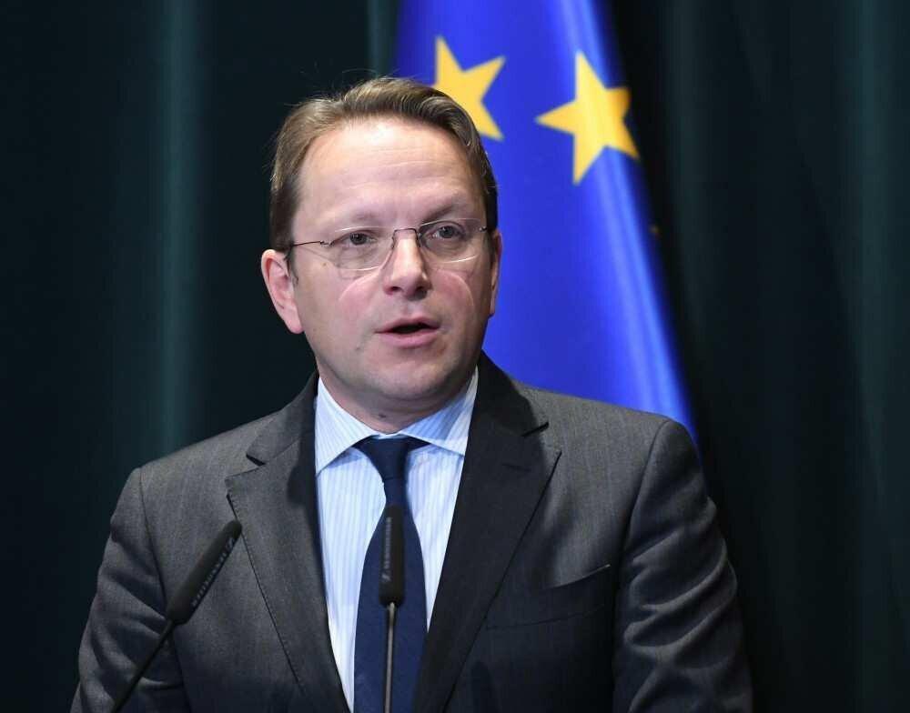 ევროკომისარი - EU საქართველოს ეხმარება მრავალი მიმართულებით, მათ შორის ეკონომიკის აღდგენაში