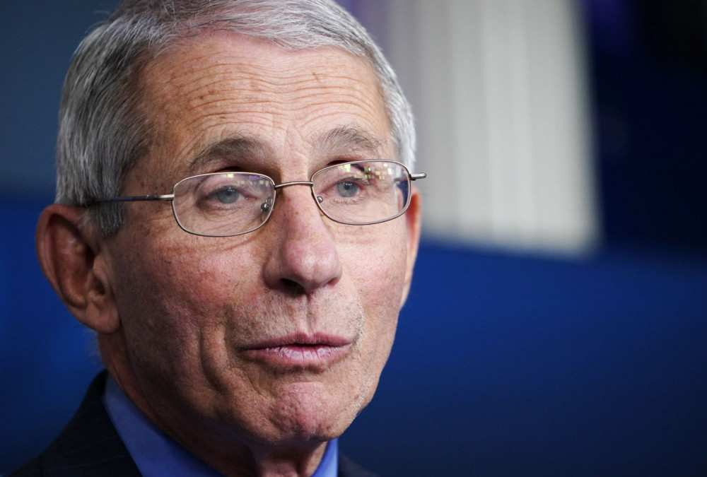 Fauci apologises for saying UK 'rushed' vaccine - BBC