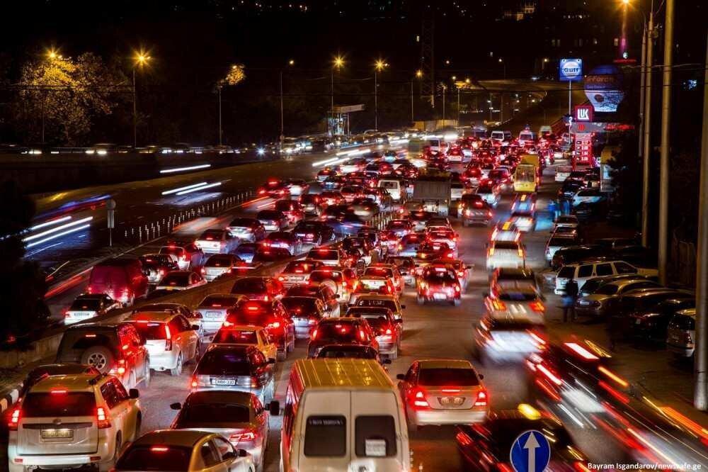 საცობებისგან გამოსავლის ძიებაში: ტექნოლოგია, შეზღუდვები თუ საზ.ტრანსპორტის განვითარება?