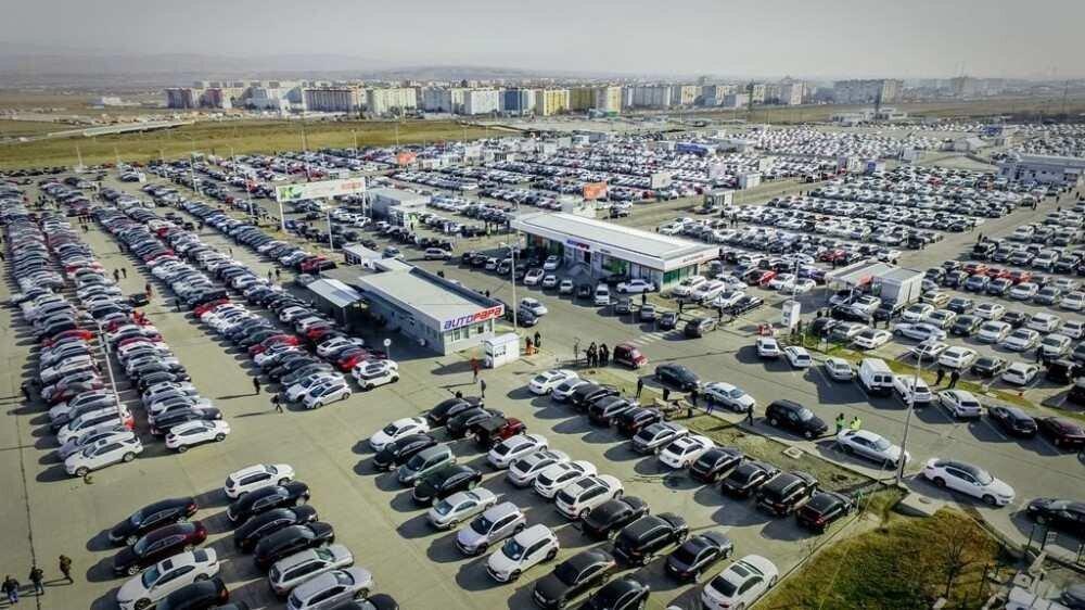 ავტომობილების რეექსპორტი განახევრდა - ბიზნესი ბაზრის შემცირების მიზეზებს განმარტავს
