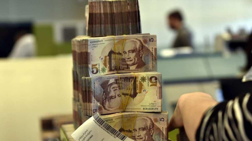 დეკემბერში ბანკებში არსებული დეპოზიტები 1 მილიარდი ლარით გაიზარდა