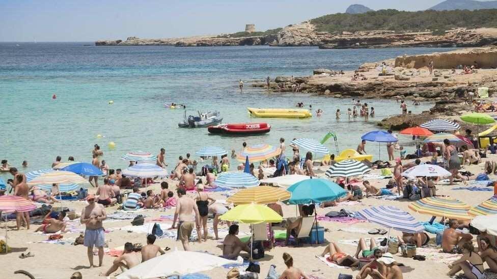 Ryanair: ამ ზაფხულს სანაპიროებზე დამსვენებლების დაბრუნებას ველით