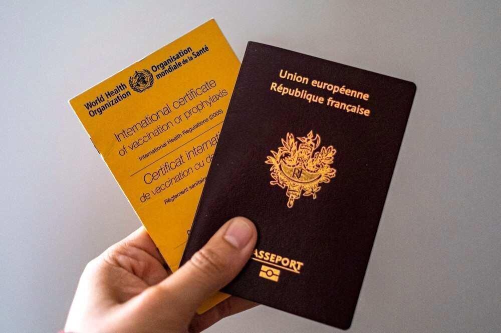 საბერძნეთი ევროკავშირს კოვიდ-პასპორტების შემოღებისკენ მოუწოდებს