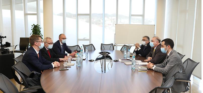 კობა გვენეტაძე ევროპის საინვესტიციო ბანკის პრეზიდენტს ვერნერ ჰოიერს შეხვდა