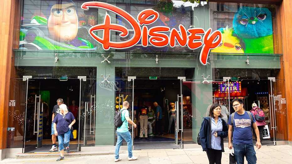 Walt Disney-ი 60-მდე მაღაზიას დახურავს
