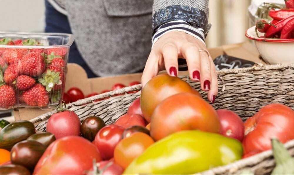 რძეზე, მარცვლეულზე, მცენარეული ზეთზე, შაქარსა და ხორცზე ფასები გაიზარდა - FAO