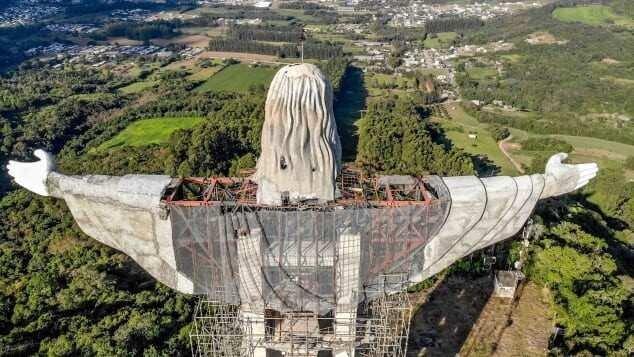 ბრაზილიაში იესო ქრისტეს ახალი 43-მეტრიანი ქანდაკება შენდება