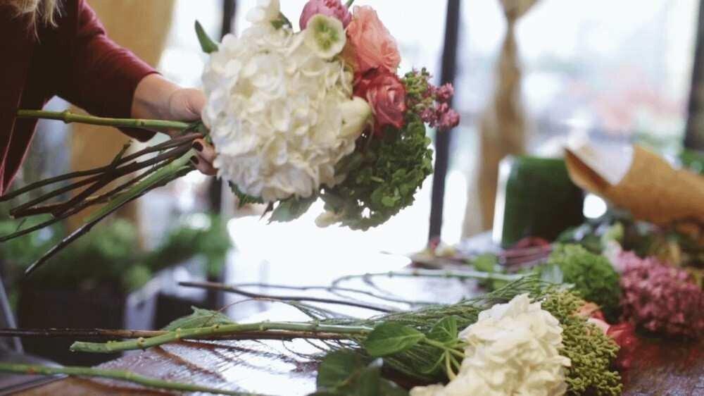 """""""ქორწილები ვერ ტარდება, რეგულაციების გამო ვერ ვმუშაობთ"""" - ყვავილების ბიზნესის გამოწვევები"""