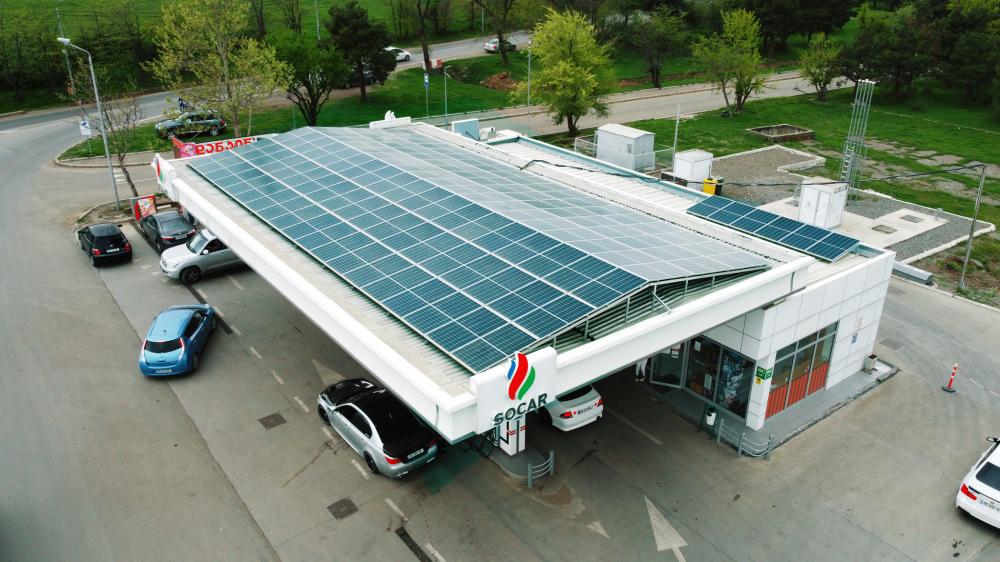 """""""სოკარი"""" მზის ენერგიით ავტოგასამართ სადგურებს ამარაგებს"""
