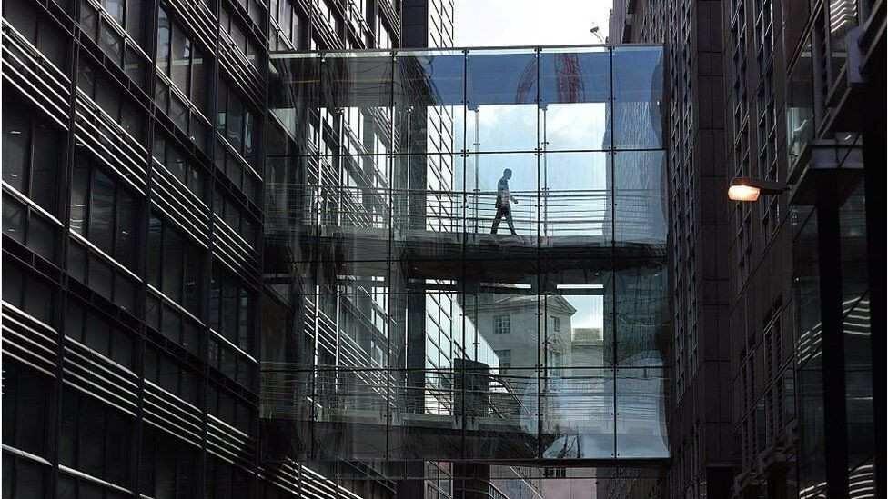 Goldman Sachs-ი: ბანკები თანამშრომლების სამსახურში დაბრუნებას ივნისიდან შეძლებენ