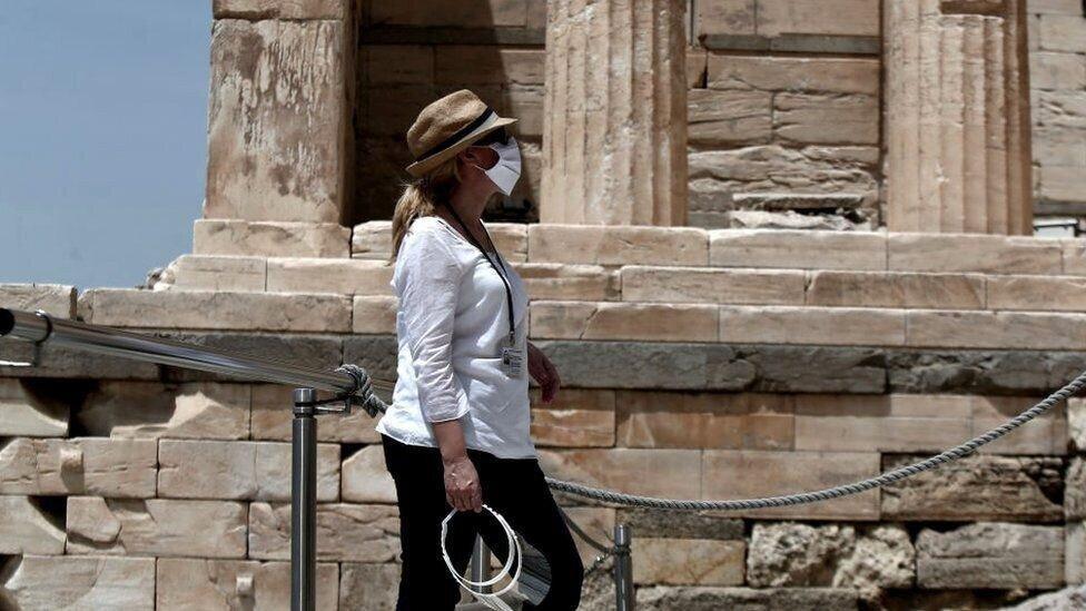 საბერძნეთში ლოქდაუნი სრულდება, ქვეყანა ტურისტებისთვის საზღვრებს ხსნის