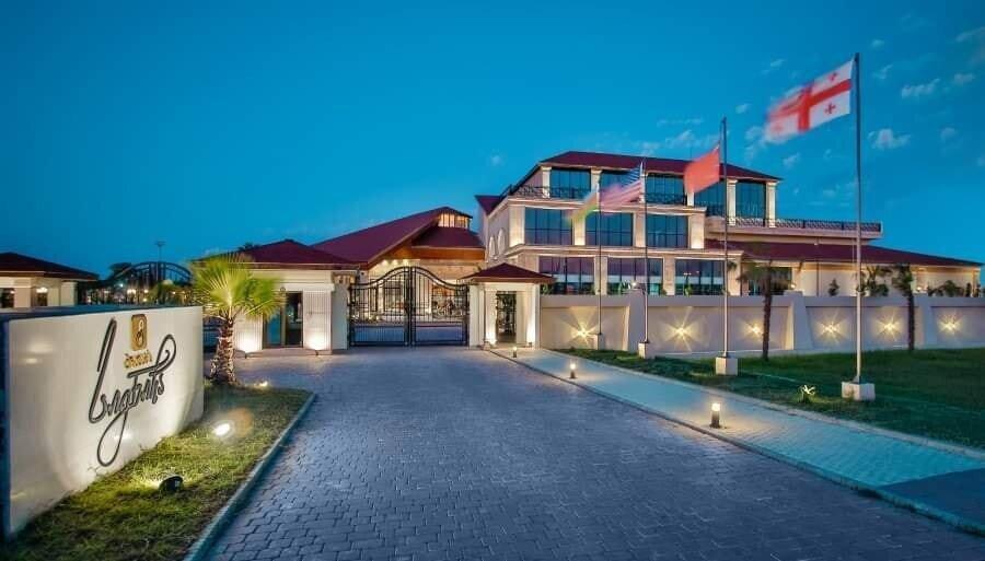 """Anaklia Pratap's Signature - """"მწვანე სასტუმროს"""" მოლოდინები ზაფხულის ტურისტულ სეზონზე"""
