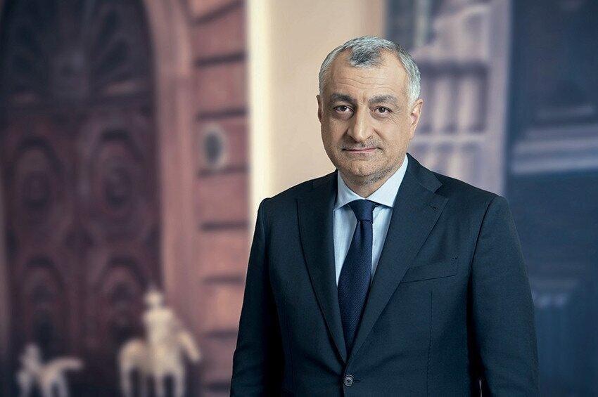 Giorgi Gakharia Handed Over A Letter To Badri Japaridze In His Office - Khazaradze