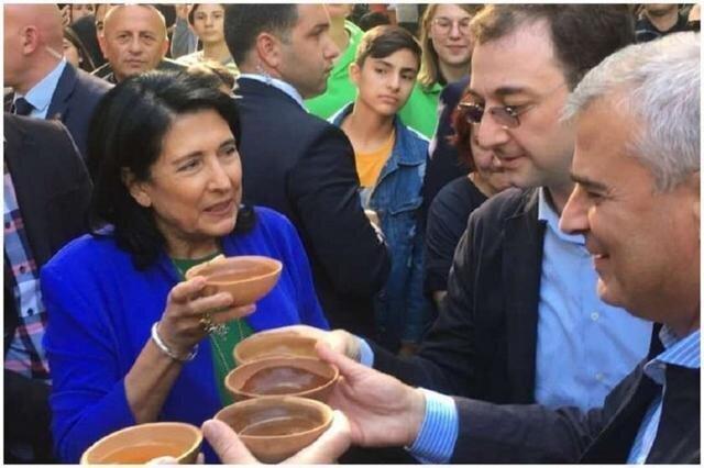 პრეზიდენტს ქვევრის ღვინის დღესასწაულის დაწესების იდეა აქვს