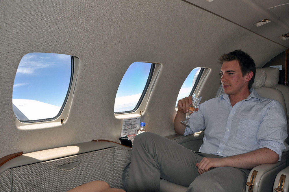 Demand for Private Jets Surges as Rich Russians Skirt Pandemic Rules to Holiday in Europe