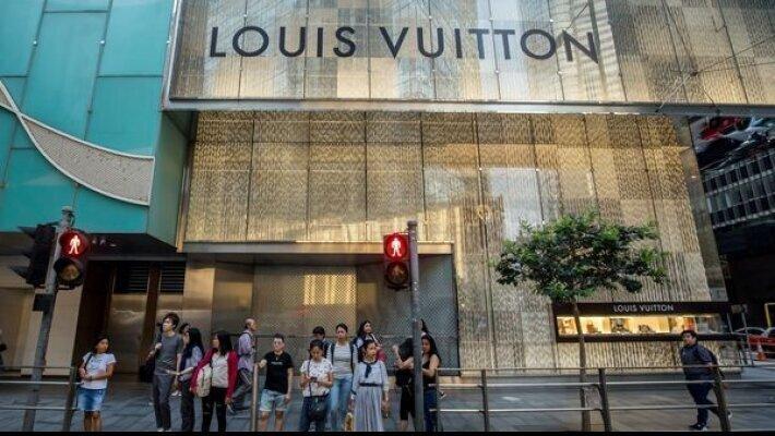 Louis Vuitton-ის მფლობელი საცალო გაყიდვების მომავალს ისევ მაღაზიებში ხედავს