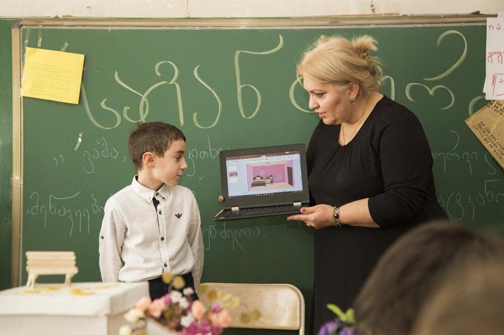საქართველოში მასწავლებლის ხელფასი 40%-ით ჩამოუვარდება საშუალო ხელფასს - IDFI