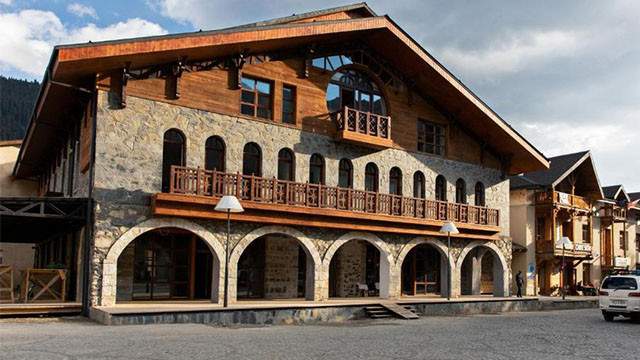 Tourists Cancel Reservations In Svaneti After Georgia Is Listed In A Red Zone – Posta Mestia