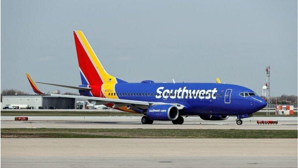 Southwest Airlines-ი თანამშრომლებს აცრის შემთხვევაში დამატებით თანხას გადაუხდის