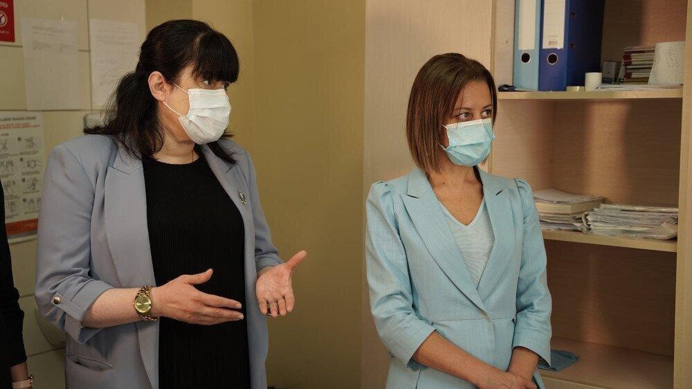 ჯანდაცვის სამინისტრო, სურვილის შემთხვევაში, ბიზნესს ამცრელ ბრიგადებს გაუგზავნის