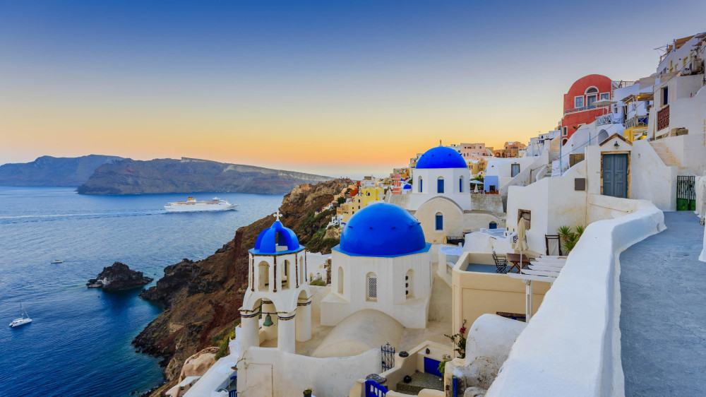 Greece Expected to Reach €12 Billion in Revenues From This Year's Tourism